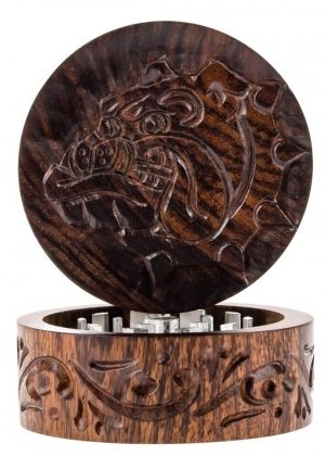 The Bulldog Carved Rosewood Grinder | 2-part